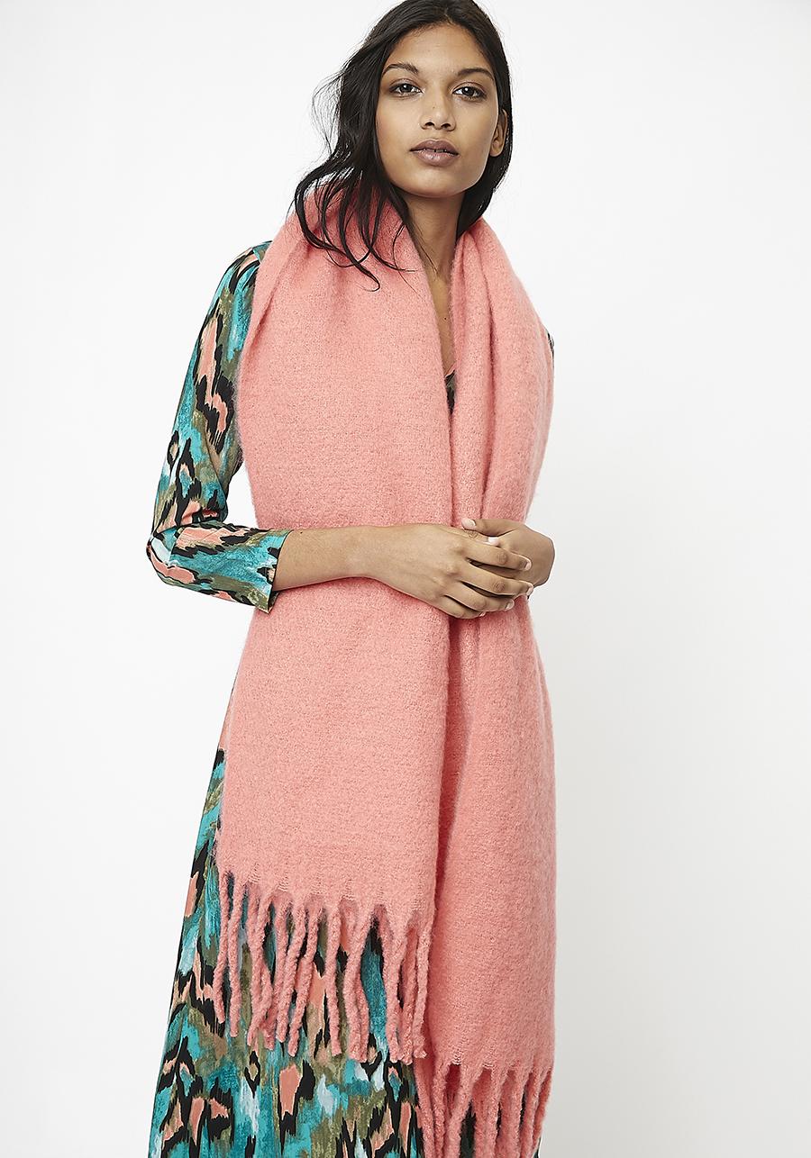 Bufanda larga rosa